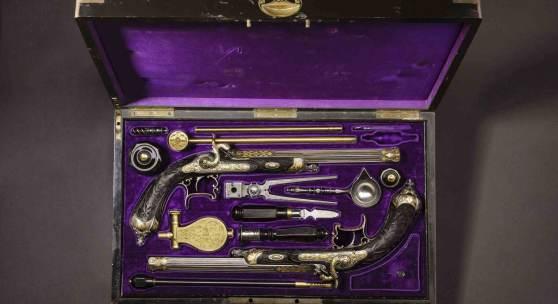 Paar goldtauschierte Luxus-Perkussionspistolen, A. De Lezaack, Lüttich um 1860. SP: 28000 Euro