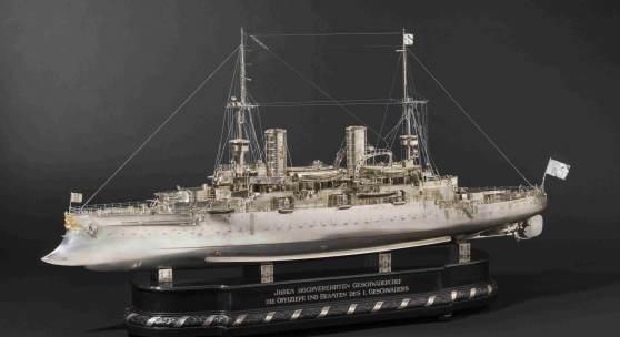 Prinz Heinrich von Preußen (1862 - 1929) – Silbermodell der  SMS Kaiser Friedrich III. Startpreis: 200000 Euro