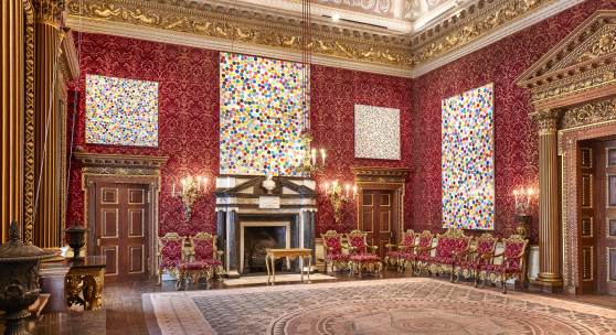 Damien Hirst, Colour Space series, in einem Salon in HOUGHTON HALL, NORFOLK copyright Damien Hirst and Science Ltd. All rights Reserverd, DACS 2018