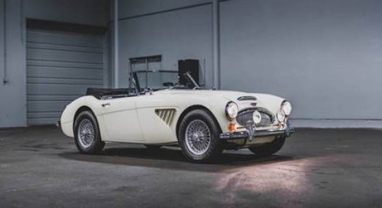 1967 Austin-Healey 3000 MKIII BJ8 (Darin Schnabel © 2019 Courtesy of RM Sotheby's)