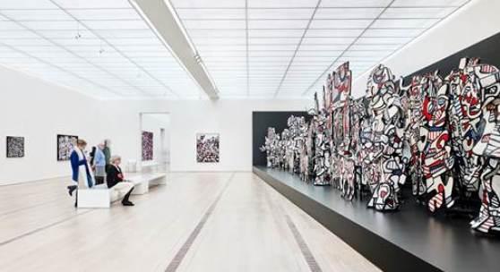 """Installationsansicht der Ausstellung """"Jean Dubuffet – Metamorphosen der Landschaft"""", Coucou Bazar, 1972-73, Collection Fondation Dubuffet, Paris, © 2015, ProLitteris, Zürich; Foto: Mark Niedermann"""
