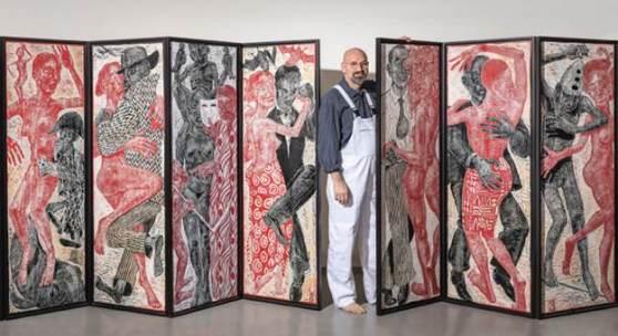 Rainer Ehrt, Der Künstler mit Druckstöcken aus der Holzschnittsuite Traumtänzer 2009 - 2015, Foto Holger Vonderlind