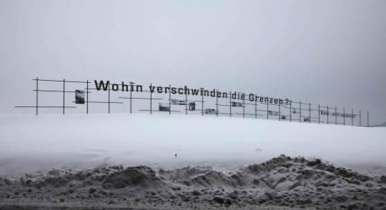 """Iris Andraschek & Hubert Lobnig aus: """"Wohin verschwinden die Grenzen? Kam mizí hranice?"""", 2009"""