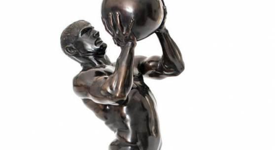 """Stuck, Franz """"Der Athlet"""". Bronze dunkel patiniert.  Schätzpreis:7.500 €"""