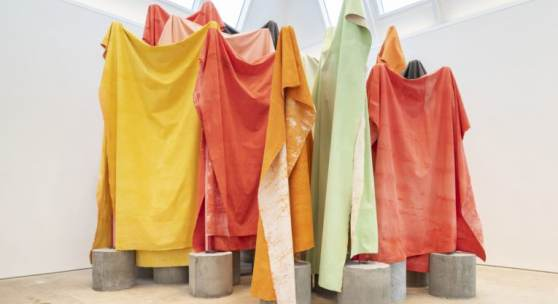 Phyllida Barlow, untitled: canvasracks; 2018-2019, Installation view, cul-de-sac, Royal Academy of Arts, London, 2019 © Phyllida Barlow, Courtesy the artist and Hauser & Wirth, Courtesy Cross Steele Collection, Photo: Damian Griffiths