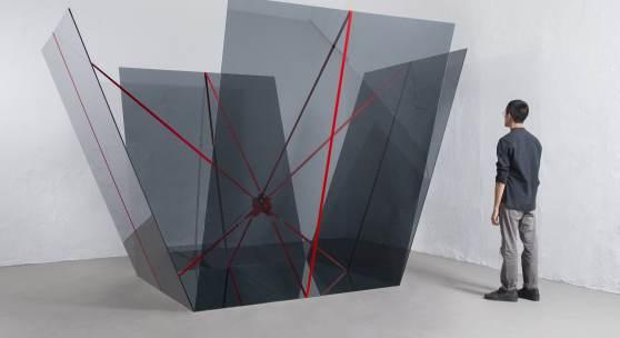 JOSE DÁVILA (*1974) A cube symbolically has no middle point, 2017  © Courtesy of the artist Foto: Agustín Arce
