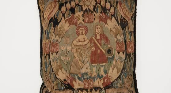 Kissen mit Brautpaar Sammlung Budge 1937-96 Restitution