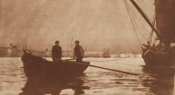 Heinrich Kühn In Bacino di San Marco, Venezia. Um 1898 Kombinationsgummidruck auf strukturiertem Aquarellpapier, 50,6 x 65,7 cm Schätzpreis: € 20.000 – 30.000 Lot 18 / Auktion 1133 Photographie Zuschlag: 40.000 Euro
