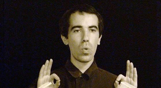 Yuri Albert Detail aus der Serie Elitär-demokratische Kunst (für Taubstumme), 1988 Schwarzweiss-Fotografie auf Hartfaserplatte, Acryl, 100 x 70 cm © Yuri Albert