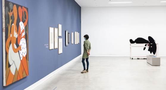 »Auszeit. Von Pausen und Momenten des Aufbruchs« mit Grace Weaver und Cosima von Bonin, Kunstmuseum Ravensburg 2021, © die Künstler, Foto: Wynrich Zlomke