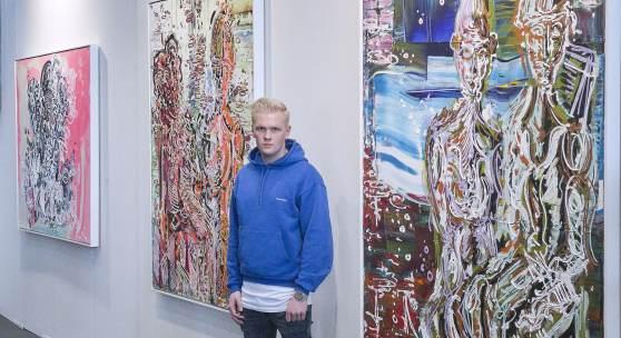 Foto: Leon Löwentraut auf der art Karlsruhe by Adrian Bedoy