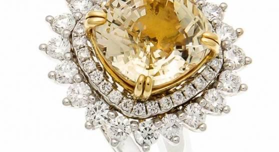 Saphir-Brillant-Ring/Anhänger WG 750/000 mit einem natürlichen Gelben Saphir 10,75 ct im gemischten Stern-/Treppenschliff, Antikschliff  Mindestpreis:14.000 EUR