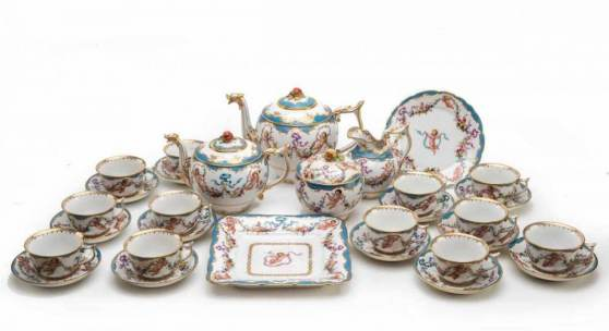Bedeutendes, prachtvolles Kaffee- und Teeservice Für 12 Personen, 30 Teile, Jacob Petit - Paris und Fontainebleau, um 1845, Schätzpreis:2.000 EUR