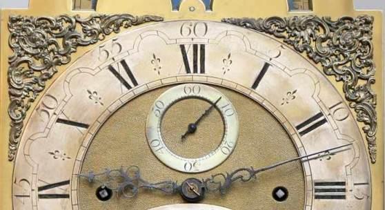 """Bedeutende Wanduhr, Deutschland, um1770 auf versilbertem, bogenförmigen Messingschild signiert """"Kintzing-Neuwied"""", Uhrmachermeister Peter Kintzing (Neuwied 1745-1816 Mannheim) Schätzpreis:6.000 EUR"""