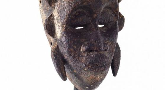 "Maske ""kpelie/kodal"" Jimini, Elfenbeinküste. H. 36,5 cm.  Aufrufpreis:3.500 EUR"