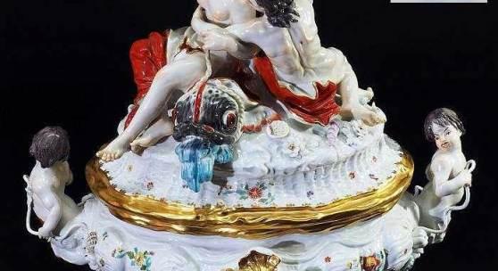 Prunkterrine mit Acis, Galatea und Titonen aus dem Schwanenservice.  Mindestpreis:2.900 EUR
