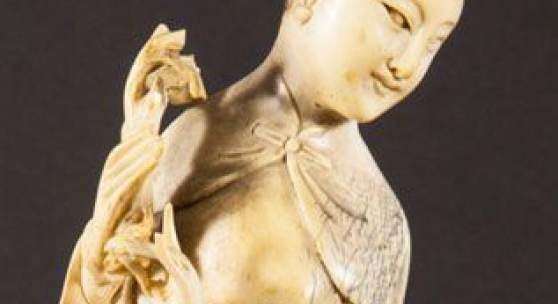 GUANYIN - Elfenbein, wohl China Anfang 20. Jhd., Mindestpreis:200 EUR