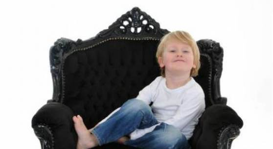 Louis im Sessel, Fotografin Karin Ullrich