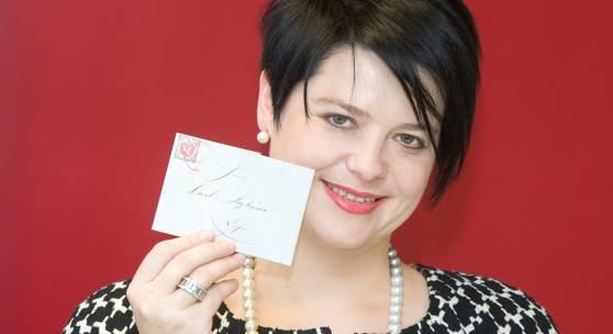 Geschäftsführerin Marianne Rapp Ohmann mit Weltrekord-Brief