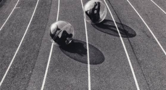Marion Baruch, Contenitore – Ambiente, 1969, Marion Baruch und A.G. Fronzoni, Foto: Berengo Gardin, Courtesy the artist and Galerie Anne-Sarah Bénichou, Paris; Galerie Laurence Bernard, Genève; Galerie Urs Meile, Bejing-Lucerne