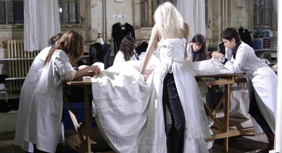 Martin Margiela  Abendkleid, aus der Kollektion Artisanal 0, Paris, H/W 2005/06 Courtesy Maison Martin Margiela, Foto: Marina Faust