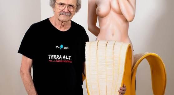 Mel Ramos in his exhibition at Galerie Ernst Hilger, Wien, 2015. Photo: Courtesy Galerie Ernst Hilger