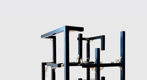 Michael Kos, Body Cube, 2016 Würfelkonstruktion, serieller Corpus Christi zerteilt und beschichtetes Aluminium, 210 x 210 x 210 cm © Tomo Jeseničnik