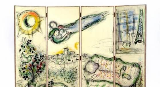 Marc Chagall (1887-1985) Interieur mit Liebespaar und Blick auf den Eifelturm, Paris, 1964 Lithographie auf Holz © Museum für Kunst und Gewerbe Hamburg