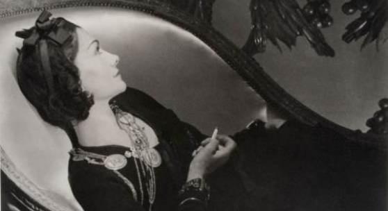 Horst P. Horst, Coco Chanel, 1937, Silbergelatine, Museum für Kunst und Gewerbe Hamburg