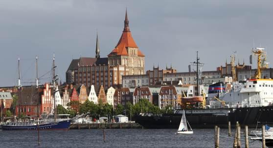 Blick auf Rostock und St. Marien © Roland Rossner/Deutsche Stiftung Denkmalschutz