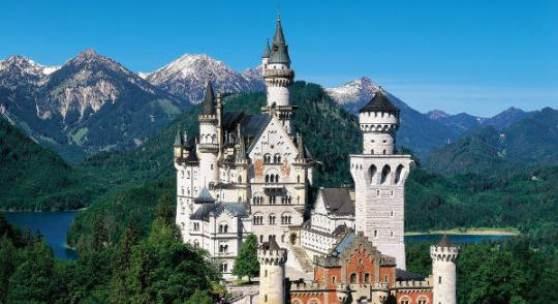 """Bildtitel: Schloss Neuschwanstein """"© Bayerische Schlösserverwaltung"""