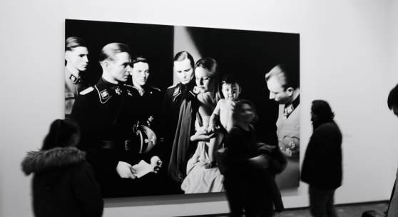 """Ausstellungsansicht """"Warhol bis Richter."""" Gottfried Helnwein *1948 Epiphanie I (Die Anbetung der Könige 3) 2019 (c) findART.cc Foto frei von Rechten."""