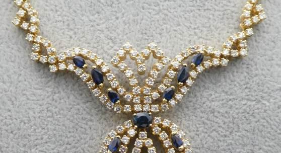Das Collier ist von einem Juwelier mit 21.000.-- € bewertet (am 15.4.21)  unser Ausruf nur: 6.900.-- €