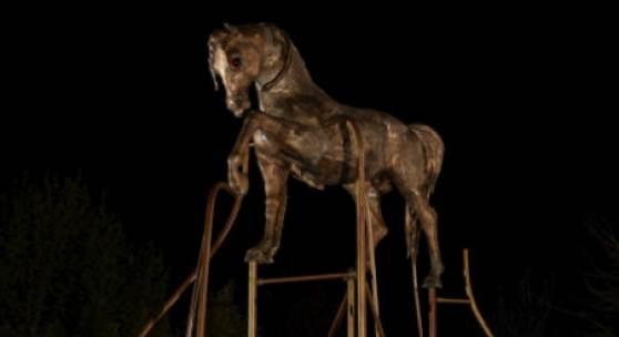 Bronzepferd – 9 Meter hoch (c) Andjé Pietrzyk