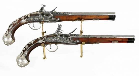 Paar prunkvolle Steinschlosspistolen von Lamotte (Fils Ainé) Saint Etienne, wohl um 1780 Aufrufpreis:3.510 EUR Schätzpreis:3.900 EUR