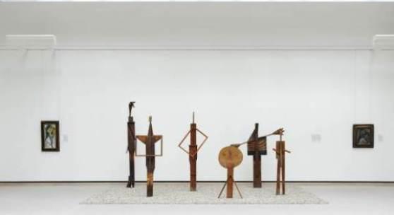 """Pablo Picasso, Weiblicher Kopf (Studie zu """"Les Demoiselles d'Avignon""""), 1907 Die Badenden, 1956 Geneigter Frauenkopf, 1906"""