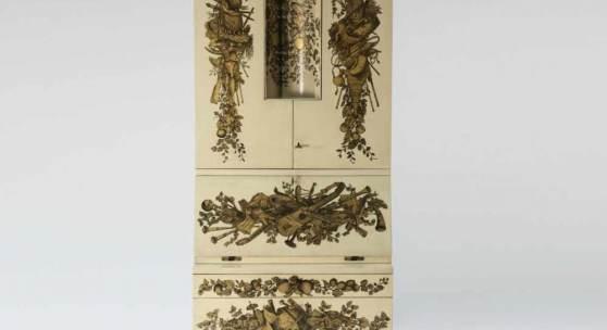 Piero Fornasetti; Gio Ponti Sekretärschrank 'Panoplie', um 1955 H. 218 x 80 x 41,5 cm. Aufrufpreis:70.000 EUR Schätzpreis:70.000 - 90.000 EUR