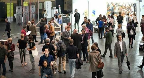 Copyright: POSITIONS BERLIN Courtesy: Edgard Berendsen Besucher auf der / visitors at POSITIONS BERLIN 2015