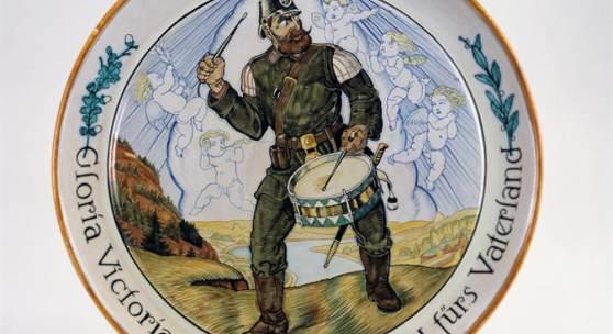 Hohlwein-Teller aus der Zeit des Ersten Weltkriegs