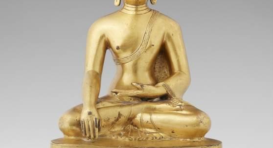 Lot 320 Große Figur des Buddha Shakyamuni Tibet, 18. Jh. Feuervergoldete Bronze, H 27,5 cm Schätzpreis: EUR 20.000 – 25.000,-