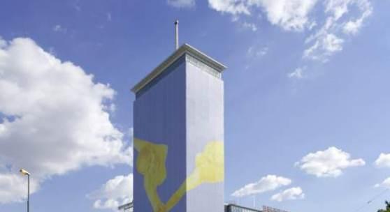 Verhüllung des Wiener Ringturms © Robert Newald