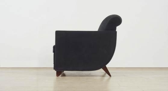 Nr. 383 868 Ein Sessel eines seltenen Satzes von sechs Clubsesseln Alfred Porteneuve, zugeschrieben, nach einem Entwurf von Jacques-Emile Ruhlmann von 1917. H 85, Sitztiefe 57 cm Schätzpreis: 15.000 – 20.000,- EUR.