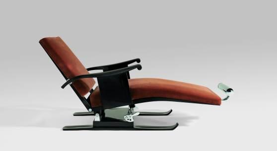 The Chaise Longue 'aux Skis' by Émile-Jacques Ruhlmann. Courtesy Sotheby's