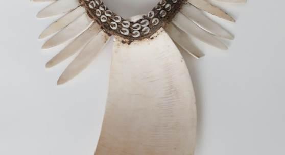 Brustbehang, Neuguinea Sammlung Eva und Peter Herion
