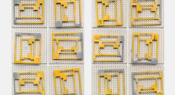 Pattern Recognition, 2017, Veränderte Werkstattlochwände, Werkzeuge, je 180 × 125 × 5 cm, Courtesy the artist, Daniel Marzona, Berlin, Galerie Nordenhake Stockholm © Sofia Hultén/2017, ProLitteris, Zürich; Foto: Trevor Good