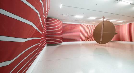 Sonia Kacem, Between the scenes, Installationsansicht Westfälischer Kunstverein, Münster, 2019-2020. Foto: Thorsten Arendt