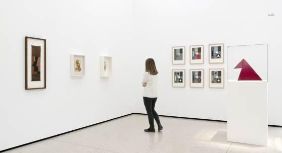 """Ausstellungsansicht """"Hermann Glöckner und Rudolf Jahns. Geometrie als Gestaltungsprinzip"""" Foto: Städel Museum"""