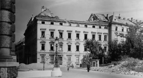 Stadtpalais Westfassade zerstört © LIECHTENSTEIN. The Princely Collections, Vaduz-Vienna