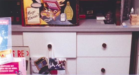 Trude Lukacsek: Parfümerie und Kosmetik Liane, 1998 © Wien Museum