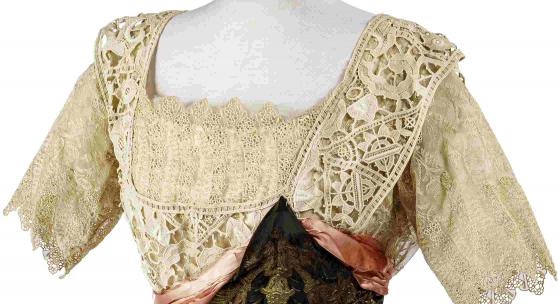 277556 Kaiserin Elisabeth von Österreich - elegantes Salonkleid mit Etikett des Achilleions der Münchner Schneiderin Marie Braun, um 1870/80